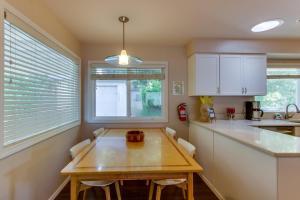 Hemlock Modern Beach House, Nyaralók  Cannon Beach - big - 30