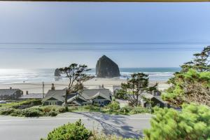Haystack Views Vacation Rental, Holiday homes  Cannon Beach - big - 13
