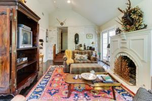 Eva's Guest House, Holiday homes  Fredericksburg - big - 27