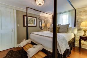 Eva's Guest House, Holiday homes  Fredericksburg - big - 19