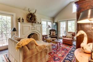Eva's Guest House, Holiday homes  Fredericksburg - big - 15