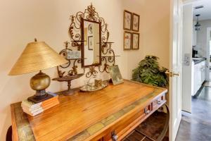 Eva's Guest House, Holiday homes  Fredericksburg - big - 14