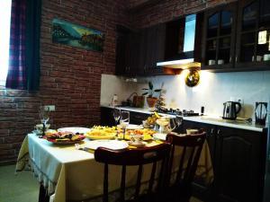 SafeHouse Guest House, Penziony  Tbilisi City - big - 17