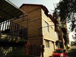 SafeHouse Guest House, Penziony  Tbilisi City - big - 20
