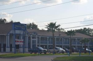 Travelers Inn & Suites