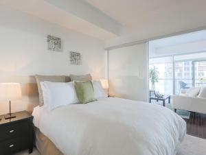Noel Suites - York and Bremner, Apartmány  Toronto - big - 1