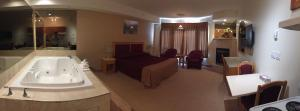 New Imperial Suites, Motels  Whitecourt - big - 14