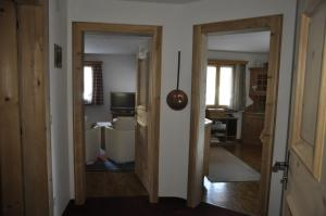 Chesa Viletta, Apartments  La Punt-Chamues-ch - big - 44