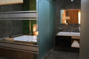 Best Western Premier Ark Hotel, Отели  Ринас - big - 22