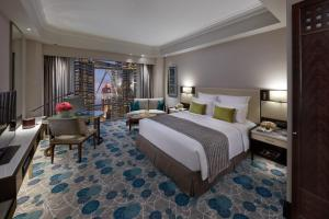 King Room with Twin Towers View
