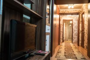 Apartment on Bukhar Zhirau 56/2, Apartmány  Karagandy - big - 6