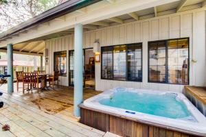 #30 Circle Four Cabin, Holiday homes  Sunriver - big - 28