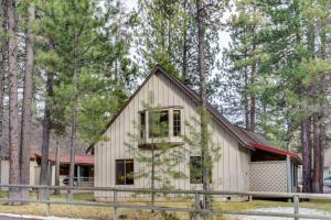 #30 Circle Four Cabin, Holiday homes  Sunriver - big - 21
