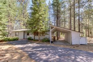 Cozy Jay Cabin, Holiday homes  Sunriver - big - 16