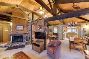 Cozy Jay Cabin, Holiday homes  Sunriver - big - 24