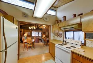 Cozy Jay Cabin, Holiday homes  Sunriver - big - 29