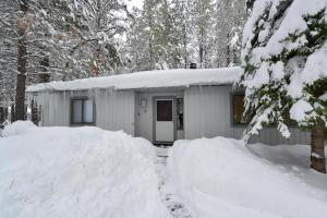 Cozy Jay Cabin, Holiday homes  Sunriver - big - 6