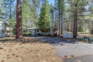 Cozy Jay Cabin, Holiday homes  Sunriver - big - 4