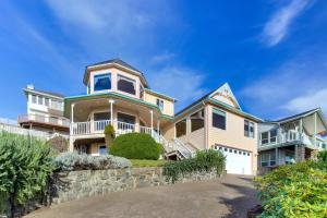 Victorian By The Sea, Holiday homes  Lincoln City - big - 23