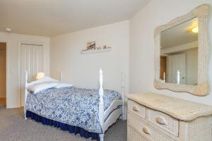 Victorian By The Sea, Holiday homes  Lincoln City - big - 35