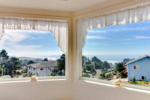 Victorian By The Sea, Holiday homes  Lincoln City - big - 11