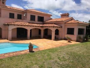 Espectacular Casa en 1era linea del Mar, acceso a playa desde tu jardin!, Holiday homes  Punta del Este - big - 1