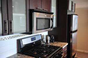 Comfortable 3BDR 2BA condo in Central Richmond, Appartamenti  Richmond - big - 2