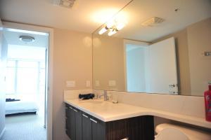 Comfortable 3BDR 2BA condo in Central Richmond, Appartamenti  Richmond - big - 5