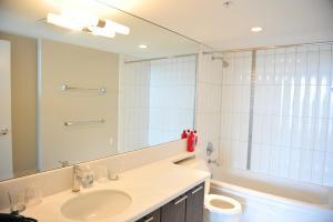 Comfortable 3BDR 2BA condo in Central Richmond, Appartamenti  Richmond - big - 4
