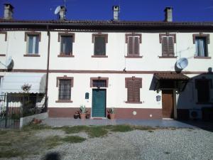 casa nel verde, Apartmány  Certosa di Pavia - big - 6