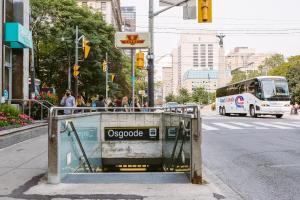 QuickStay - Luxury Executive in Yorkville (Yonge & Bloor), Apartmány  Toronto - big - 26