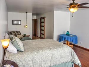 Cleone Bliss, Holiday homes  Fort Bragg - big - 5