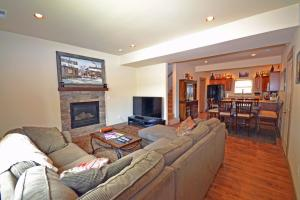 Wine Down And Relax Condo, Apartmány  Whitefish - big - 1