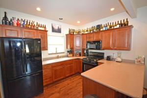 Wine Down And Relax Condo, Apartments  Whitefish - big - 4
