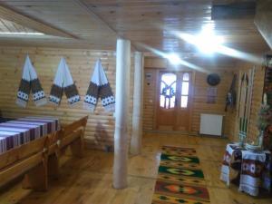 Kosmatska pusanka, Guest houses  Kosmach - big - 8