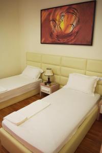 Living Hotel, Hotely  Tirana - big - 49