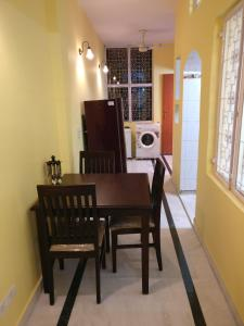 We At Home Serviced Apartment :), Apartments  New Delhi - big - 12