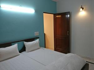 We At Home Serviced Apartment :), Apartments  New Delhi - big - 16