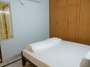 We At Home Serviced Apartment :), Apartments  New Delhi - big - 18
