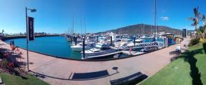 Boathouse Port of Airlie, Apartments  Airlie Beach - big - 2