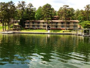 Long Island Lake Resort