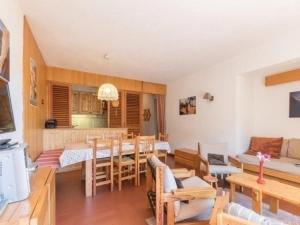Apartment Granon, Ferienwohnungen  Champcella - big - 17