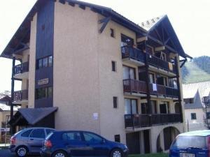 Apartment Central station, Apartments  Montgenèvre - big - 2