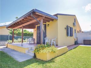 Villa Le Coccinelle, Holiday homes  Campofelice di Roccella - big - 7