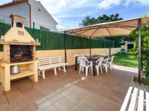 Holiday Home Cantabria House, Holiday homes  Calonge - big - 17
