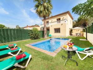 Holiday Home Cantabria House, Holiday homes  Calonge - big - 6