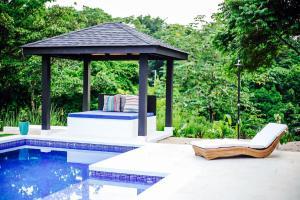 Villa Komodo, Villák  Santa Teresa Beach - big - 17