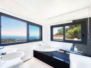 Holiday Home Suites Mas Nou, Holiday homes  Platja  d'Aro - big - 8