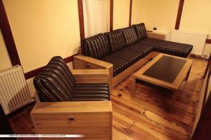 Guest House Bujtina Leon, Affittacamere  Korçë - big - 14