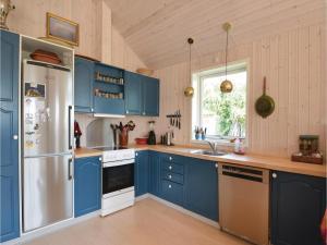 Three-Bedroom Holiday Home in Ebeltoft, Case vacanze  Ebeltoft - big - 17